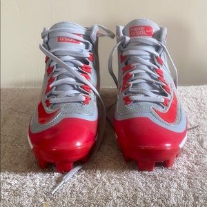 Youth baseball cleat